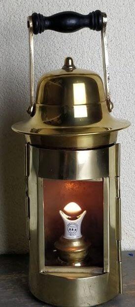 Kompaslamp welke brandt op olie.