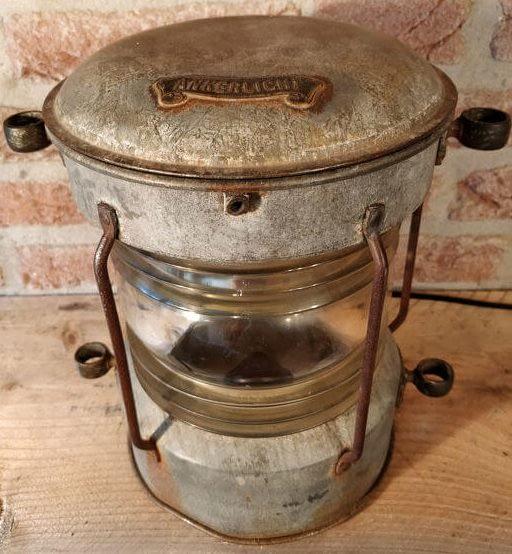 Mooi oud ankerlicht gemaakt van Zink. Ooit gebruikt op een schip.