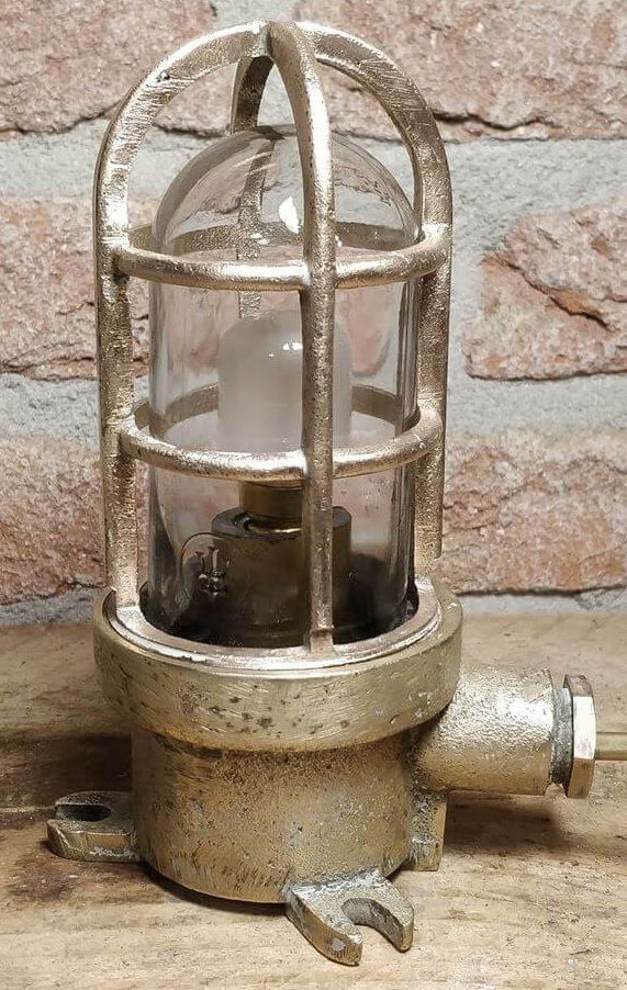 Putslamp met metalen armatuur