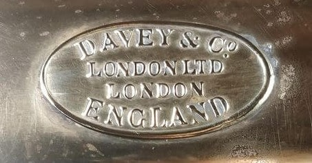 Logo Davey & Co. London LTD England