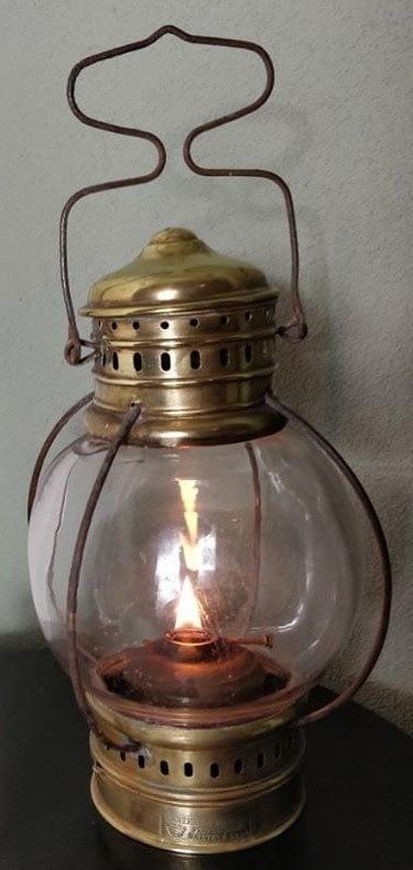 Cabin light laterne marine met mooie bolvorm en brandend vlam
