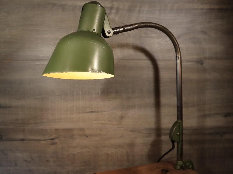 oude machinelamp van SIS