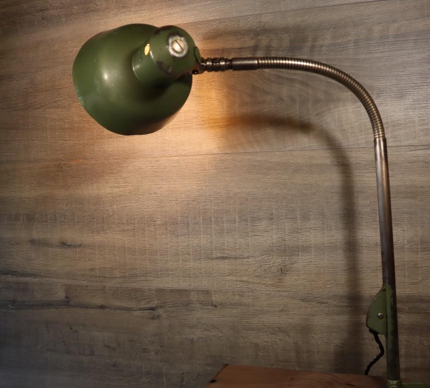 Groene SIS lamp, werkbanklamp