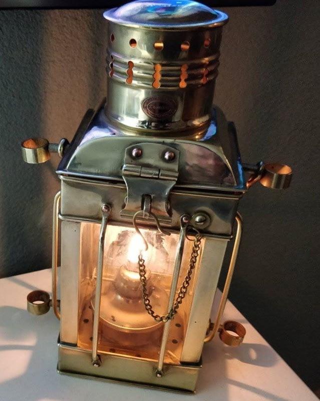 Replica van een Holland Amerika lijn lamp
