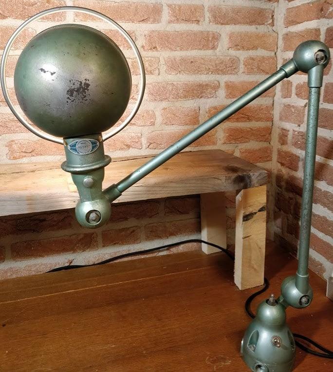 Mooie groene machinelamp van Jieldé uit Frankrijk