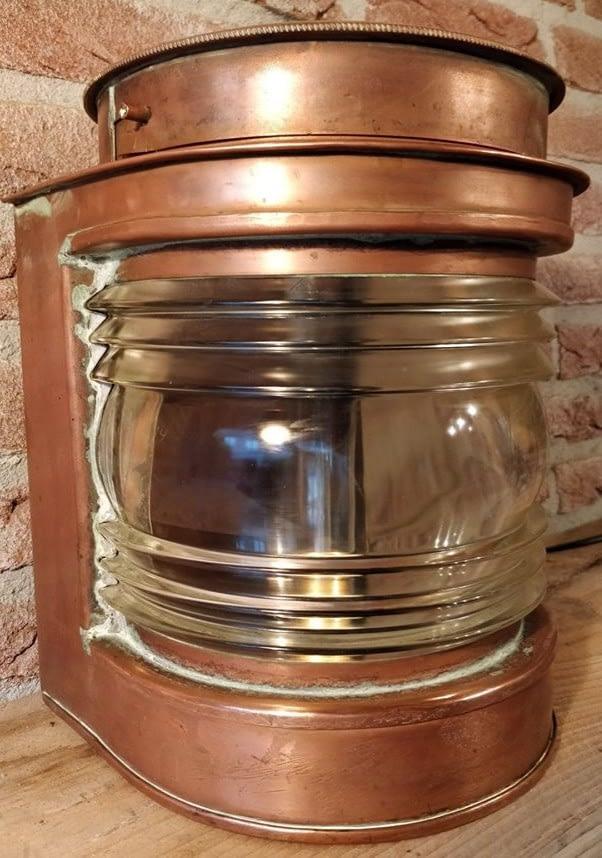 Koperen toplicht van Henriksen Lanternefabrikk uit Bergen, Norge, Noorwegen