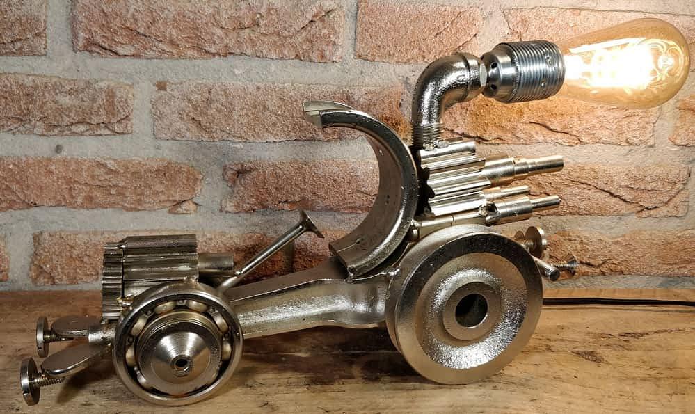 Auto of hotrod lamp gemaakt door Dhr. A. Willemsen.