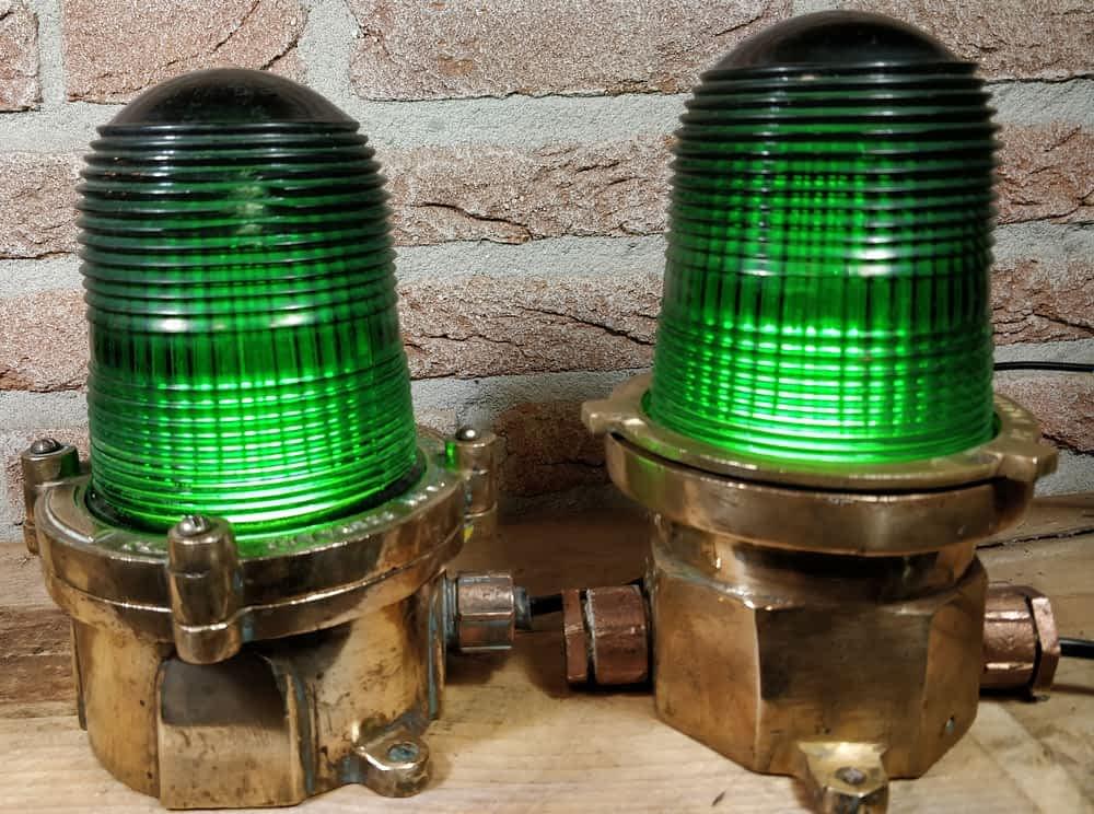 Gangboordlampen set TEX met mooi groen glas. Afkomstig uit USA van Pauluhn Electric