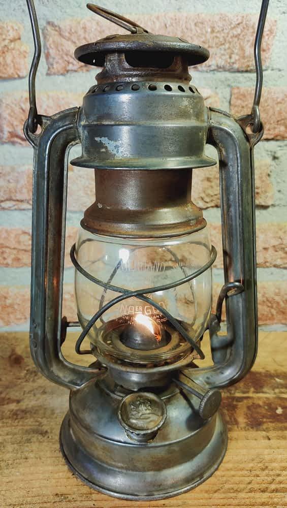 Feuerhand 270 met brandende vlam