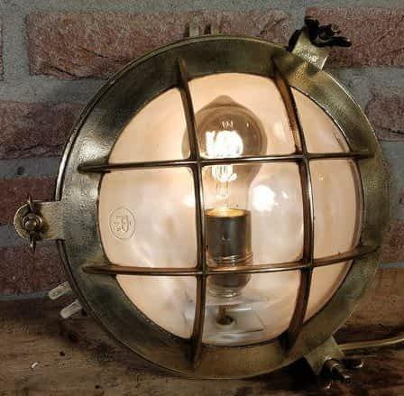 Bulleye scheepslamp van koper en messing