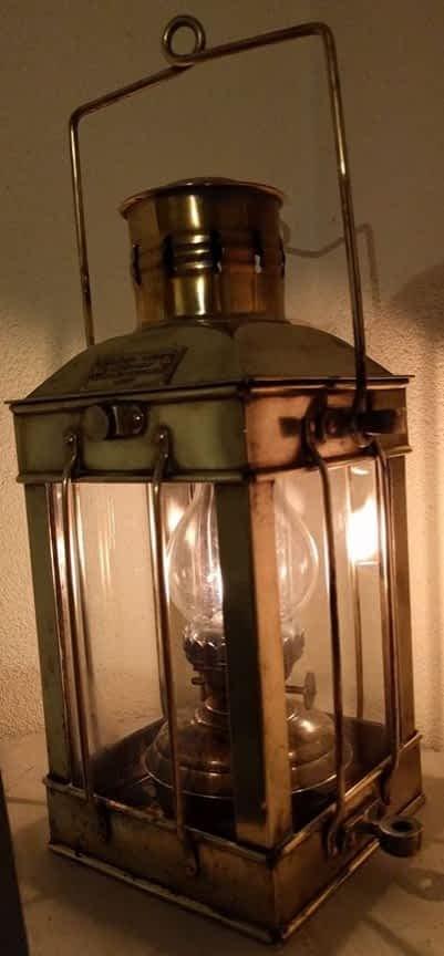 Replica van een cargo light. Great Britain 1939