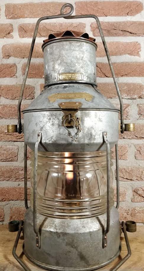 Mooi scheepslamp welke geproduceerd is door DHR De Haan uit Rotterdam