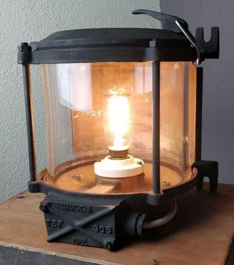Masthead (lanterne A) welke van een shell tanker afkomt